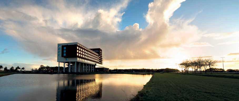Recystel stelkozijnprofielen - Van der Valk Hotel Zwolle voorzien van kunststof stelkozijnen